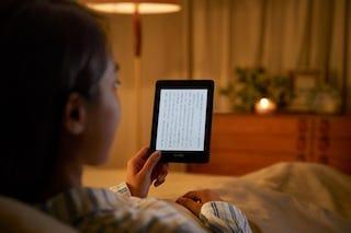 暗い部屋でも読書がしやすい。